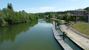 Je traverse la Meuse à Saint Mihiel que je logerai un bon moment (Verdun et au delà lundi)