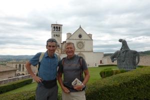 Robert et Jacques devant la Cathédrale St Francois