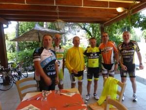 """Robert et le groupe de cyclos""""tifosi"""""""