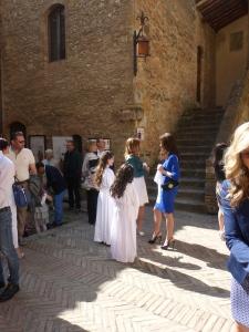 Communiants et communiantes à San Giminiano