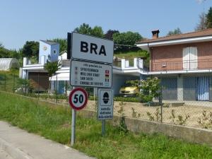 Non ce n'est pas le fameux Brevet de randonneur des Alpes mais simplement la ville de BRA en Piemont