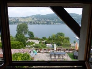 Vue sur le lac...de notre chambre d'hotes